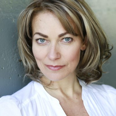 Fuzzable-Talks-Fashion...-with-Actress-Terri-Dwyer-01